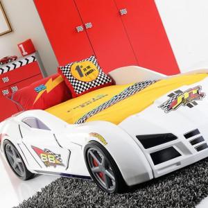 O takim łóżku marzy chyba każdy miłośnik aut - zarówno kilku- jak i kilkudziesięcioletni. Fot. Kids&Teens.