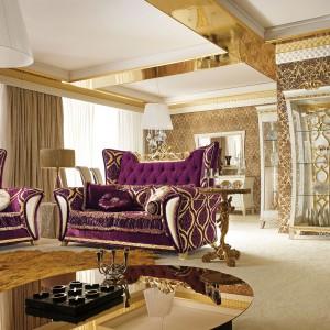 Kolekcja mebli w barokowym stylu Gotha Italian Luxury Style, prezentowana na ubiegłorocznych targach Salone del Mobile. Fot. Fabio Luciani.