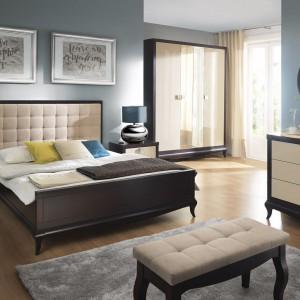 Sypialnia Laviano z tapicerowaną, pikowaną nakładką do łoża. Jasny zagłówek efektywnie kontrastuje z ciemnymi meblami. Fot.Bydgoskie Meble.
