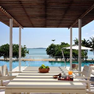 Luksusowa willa na wyspie Phuket. Projekt studia Kplusk Architects. Fot. Kplusk Architects.