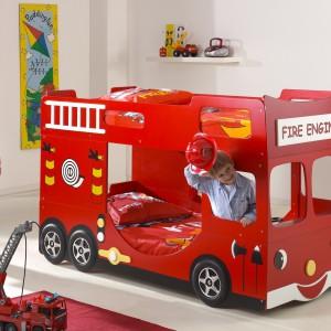 Autobus czerwony przez ulice mego miasta mknie... w końcu trafił do pokoju chłopca i w nim zostać chce. Fot. Matelpro.