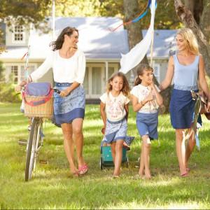 Zestaw akcesoriów piknikowych od marki Tchibo. Idealne na rodzinne eskapady. Fot. Tchibo.