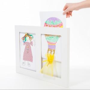 Różnorodność kształtów i kolorów ramek zwiększy atrakcyjność dziecięcej galerii.  Fot. Articulate.