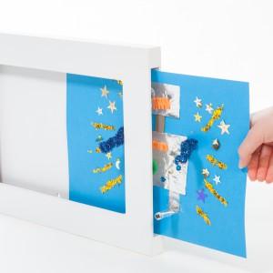 Wybierając ramki zwróćmy uwagę, aby można było w łatwy sposób wkładać i wyjmować obrazki. Fot. Articulate.