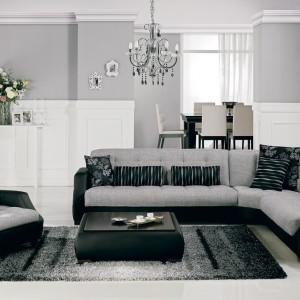 Fotel stanowi swego rodzaju przedłużenie sofy narożnej. Fot. Istikbal.