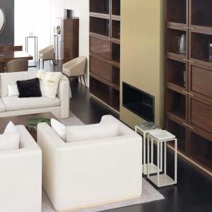 Fotele ustawione w bliskiej odległości tworzą jakby drugą sofkę. Fot. Mobil Frenso.