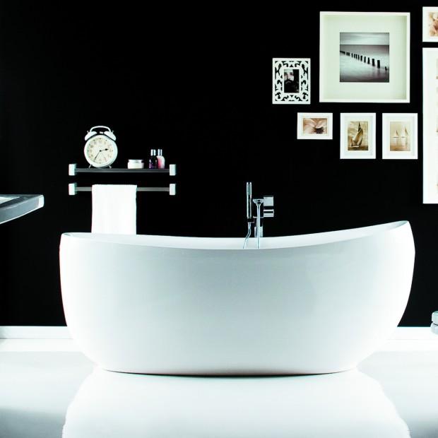 Urządzamy salon kąpielowy: pomysły na wannę w łazience
