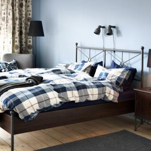 Wybieramy tkaniny do sypialni: modna kratka