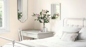 Delikatne, jasne ściany w sypialni pomogą stworzyć nam przytulne miejsce, które będzie sprzyjać odpoczynkowi i regeneracji sił. Zobaczcie nasze propozycje aranżacji sypialni w stonowanych odcieniach.