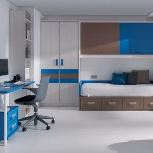 Wystrój pokoju chłopca w trzech kolorach: niebieskim, białym i szarym. Fot. Circulo Muebles.