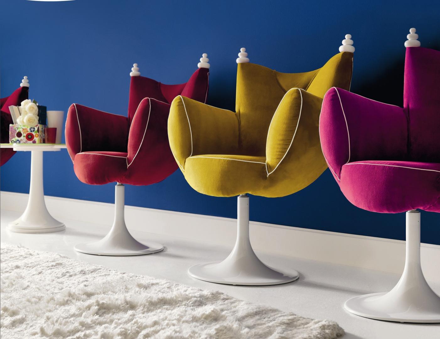 Kolorowe fotele niczym z bajki. Kolekcja Home marki Altamoda Italia. Fot. Fabio Luciani.