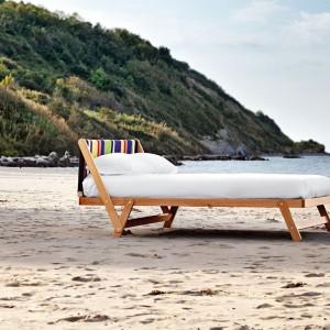 Łóżko Tolo inspirowane rozkładanymi, wakacyjnymi leżakami. Fot. Noctis.