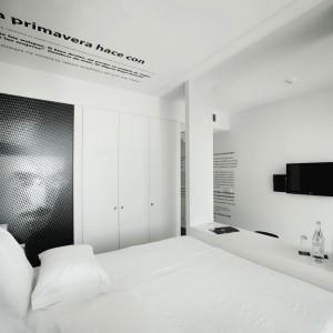 W tym pokoju najważniejsze są słowa. Fot. Design & Wine Hotel.