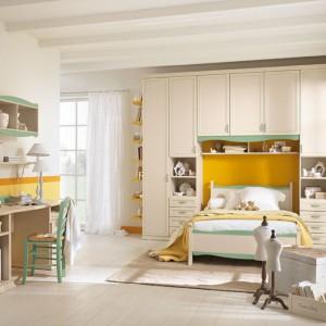 Pomalowanie ścian na żółto wniesie do wnętrza nową energię. Fot. Colombini Casa.