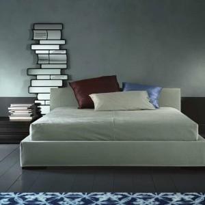 Tapicerowane łóżko Herman powstało przy współpracy z marką Casamilano. Fot. Casamilano,