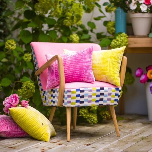 Pomysłowe fotele w pięknych kolorach. Stworzyły je Polki!