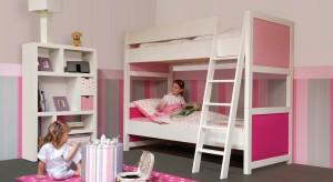 Różowy pokój jak z bajki to marzenie chyba każdej dziewczynki. Dziś prezentujemy więc pomysły na aranżacje w tym właśnie kolorze, odpowiednie dla kilkulatek jak i dorastających kobiet.