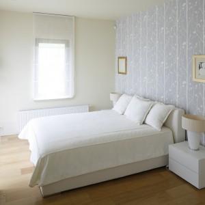 Ściana za łóżkiem. 20 pomysłów architektów na aranżację sypialni
