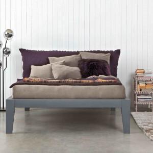 Łóżko Soft z tapicerowanym zagłówkiem. Fot. Letti & Co.