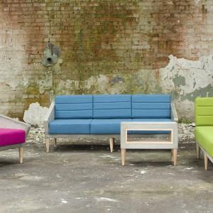 Zestaw kolorowych mebli ożywi każde wnętrze w stylu loft. Fot. Morgan & Möller.