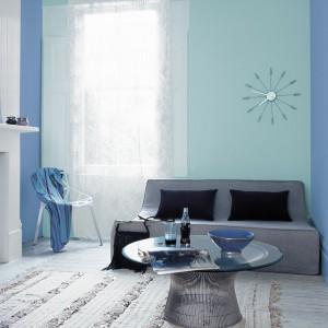 Błękitny kolor ścian sprawi, że wnętrze będzie wydawało się bardziej subtelne. Fot. Dulux.