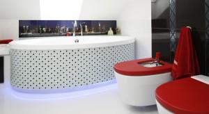 Przeznaczona dla pana i pani domu łazienka na poddaszu jest nowoczesna i praktyczna. Jednocześnie wyraża charakter i styl młodego małżeństwa.