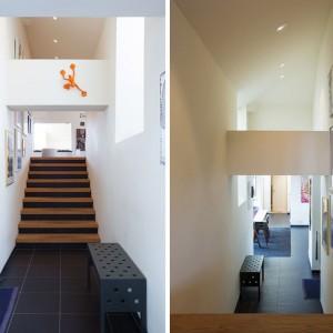 Po wejściu do mieszkania, schody poprowadzą nas do przestronnego salonu. Po przeciwnej stronie znajduje się obszerna kuchnia. Fot. Per Jansson.