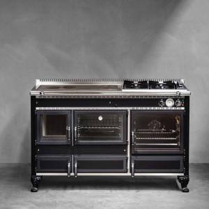 Wysokiej jakości materiały, z jakich wykonano kuchenkę są gwarancja wytrzymałości i trwałości użytkowania. Fot. J.Corradi.
