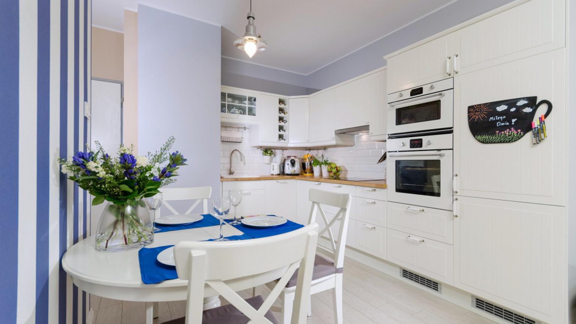 bialo-niebieska kuchnia.jpg
