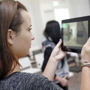 W czasie prezentacji o trendach czy producentów projektanci wnętrz mogli robić zdjęcia, np. interesujących ich rozwiązań.