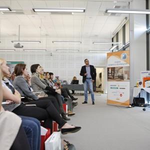 Prezentacja firmy Eclisse – o systemach drzwi przesuwnych, chowanych w ścianach, mówi Mariusz Fiedorowicz.