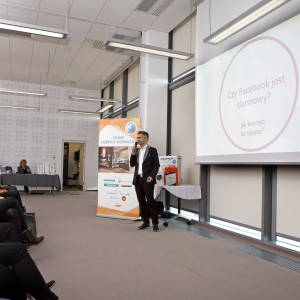 Jak działać w mediach społecznościowych, radził architektom Grzegorz Kuczyński, wiceprezes Wydawnictwa Publikatora, specjalista ds. biznesu w internecie.