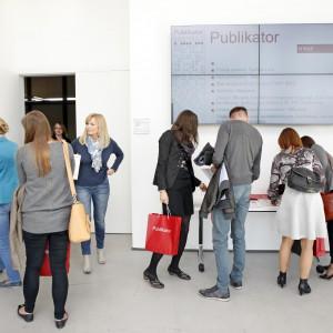 Wszyscy uczestnicy konferencji otrzymali magazyny wnętrzarskie, m.in. Świat Łazienek i Kuchni oraz Łazienka.