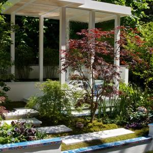 Arita nawiązuje do japońskich ogrodów. Proj. Shuko Noda. Fot. RHS Chelsea Flower Show.