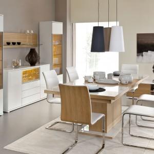 Kolekcja Bianco marki Paged w modny sposób zaaranżuje wnętrze salonu, jadalni i gabinetu. Prosta, geometryczna forma mebli, bez uchwytów i zbędnych zdobień, została zaprojektowana zgodnie z najnowszymi trendami. Fot. Paged.