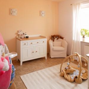 Zobaczcie, jak urządzić przytulny i uniwersalny pokój niemowlaka