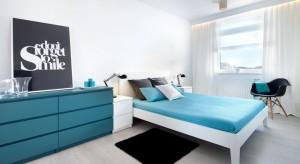 Pomagamy czytelniczce w wydzieleniu sypialni z większego pokoju i pokoju dla dziecka z mniejszego pomieszczenia.