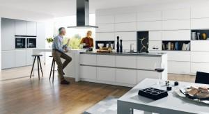 Nowoczesna kuchnia to pojęcie bardzo szerokie. Mieszczą się w nim zarówno minimalistyczne kubiki, jak i eklektyczne mieszanki różnych stylów.