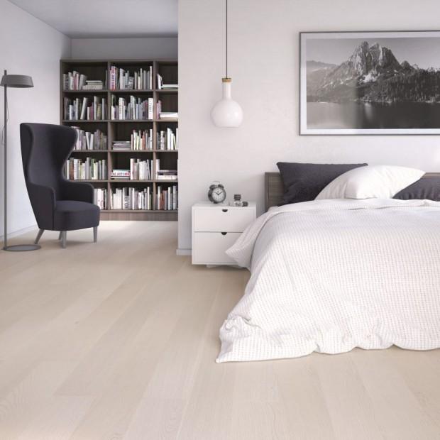 Podłoga w sypialni: drewno i panele laminowane