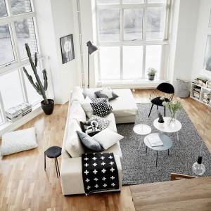 Piękne, jasne wnętrze. Zobacz czarno-białe mieszkanie