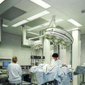 Sufity podwieszane w obiektach medycznych