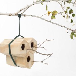 NeighBirds Nest to modułowa budka dla ptaków. Łatwy sposób montażu umożliwia zaminotowanie budki w dowolnym miejscu. Fot. Utoopic.