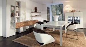 Jadalnia to przestrzeń, w której główną rolę odgrywają: stół i krzesła. Zobaczcie jak można urządzić ją w stylu nowoczesnym.