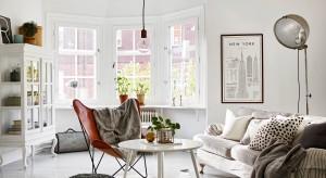 Urokliwe, romantyczne mieszkanie w starej kamienicy z 1914 roku jest pełne światła i przytulnego klimatu.