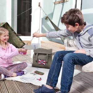 Zawartość plecaka pobudzi kreatywność dzieci w  każdym wieku i rozpali chęć poszukiwania przygód. Fot. Battle Box.