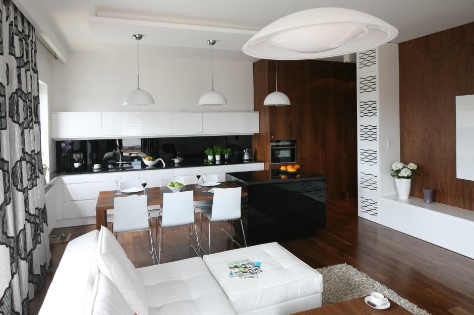 Białe meble kuchenne z Kuchnia otwarta na salon   -> Meble Kuchnia Salon