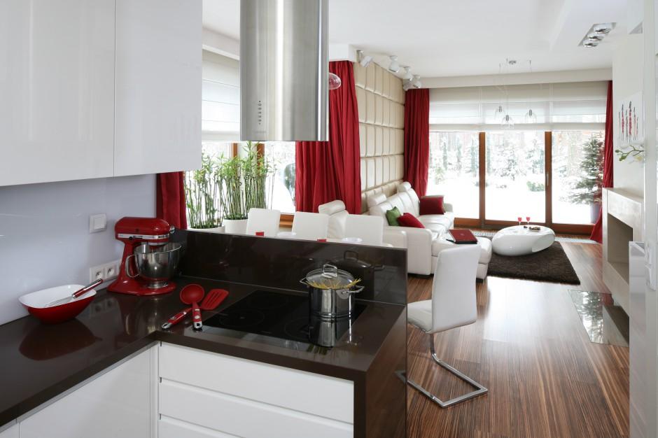 Kuchnia została otwarta Kuchnia otwarta na salon Propozycje polskich pr   -> Aranzacja Kuchni Otwarta Na Salon