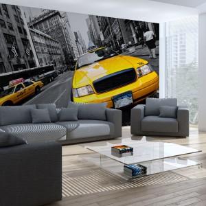 Fototapeta z nowojorskimi taksówkami pędzącymi przez miasto nie tylko podkreśli nowoczesny charakter kreowanej przestrzeni, ale też powiększy ją optycznie. Fot. Minka.pl.