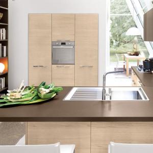 Tzw. zasada kuchennego trójkąta poprawia funkcjonalność przestrzeni. Kuchnia Pamela marki Lube Cucine. Fot. Lube Cucine.