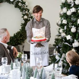Świąteczna kolekcja wyjątkowych ozdób oraz okolicznościowa zastawa stołowa, upiększą kuchnię, jadalnię i salon. Fot. HOUSE&more.
